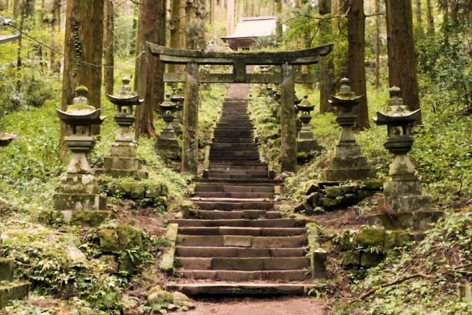 熊本県北の歴史と文化のPR映像の空撮を担当させていただきました。